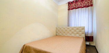 Квартира на вул. Дорошенка, 48